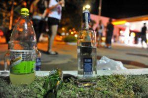 Jovens começam a ingerir álcool cedo