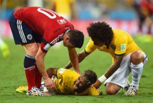 Caso Neymar: fratura na vértebra pode ter recuperação rápida