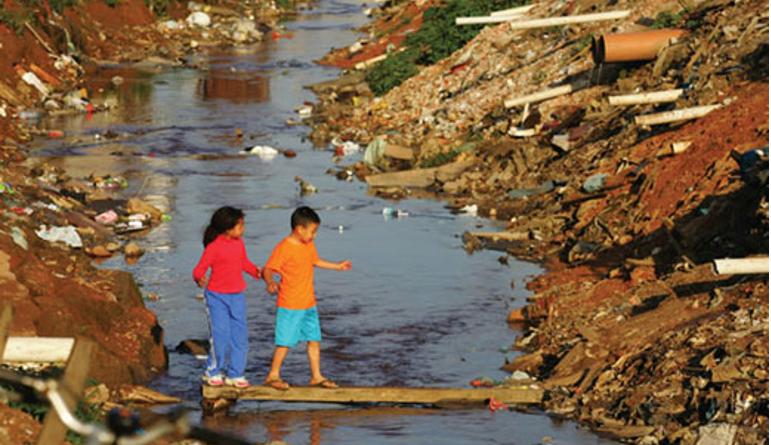 Sem investimentos, falta de saneamento no Brasil piora a saúde