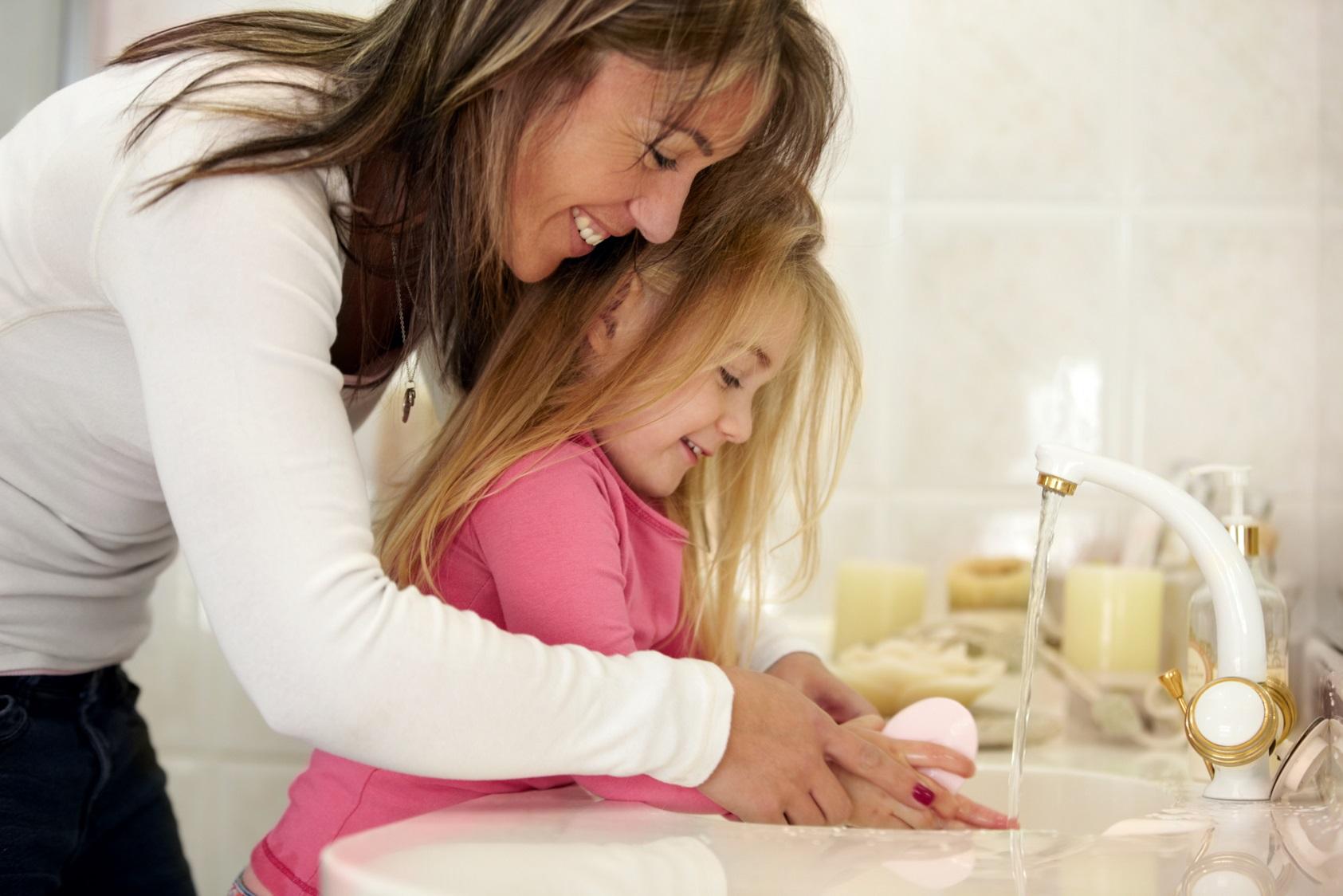 Esqueça os sabonetes antibacterianos