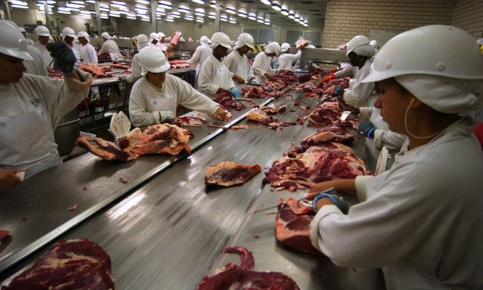 As denúncias sobre carne contaminada